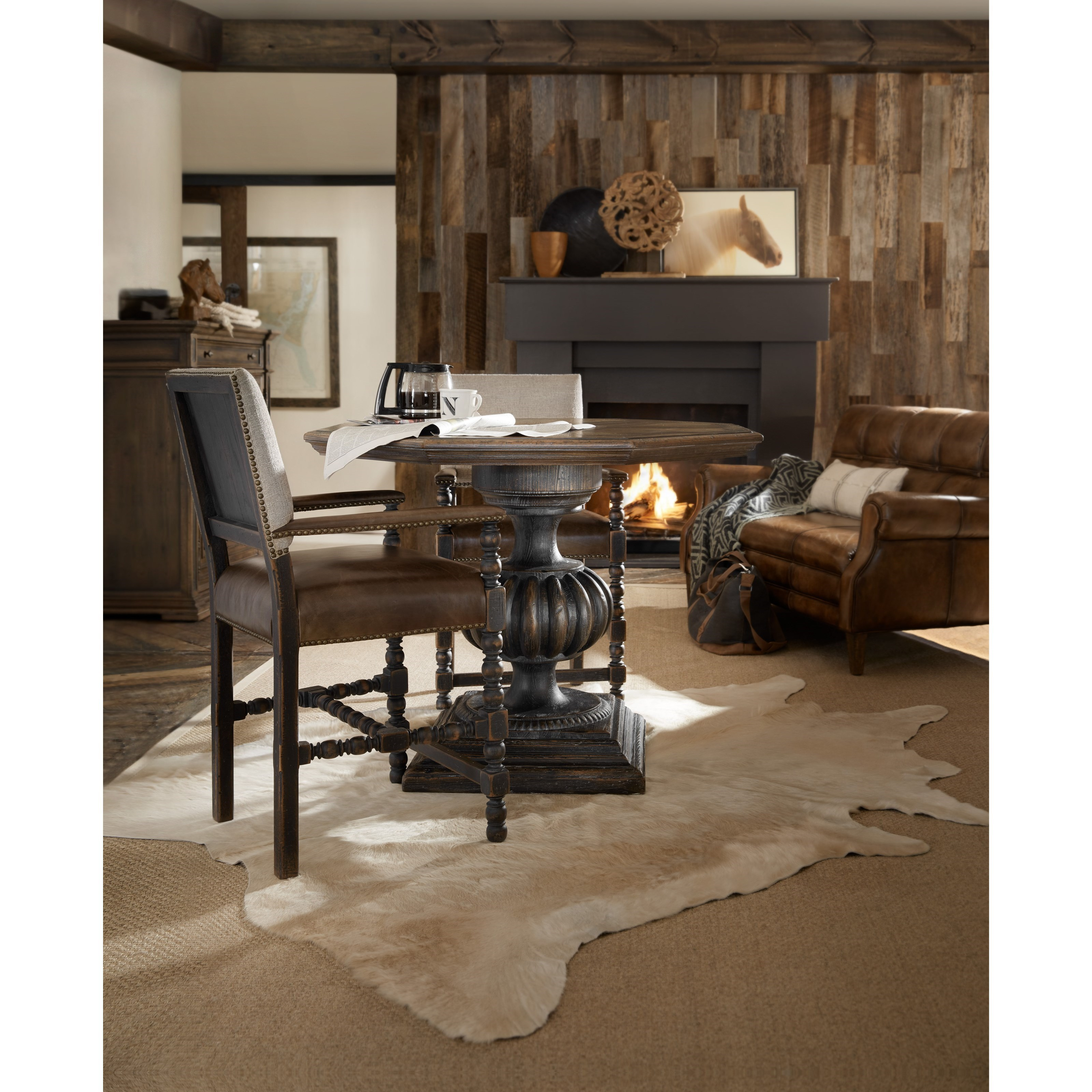 ... Hooker Furniture Hill CountryBlanco 46in Foyer / Dining Table ...