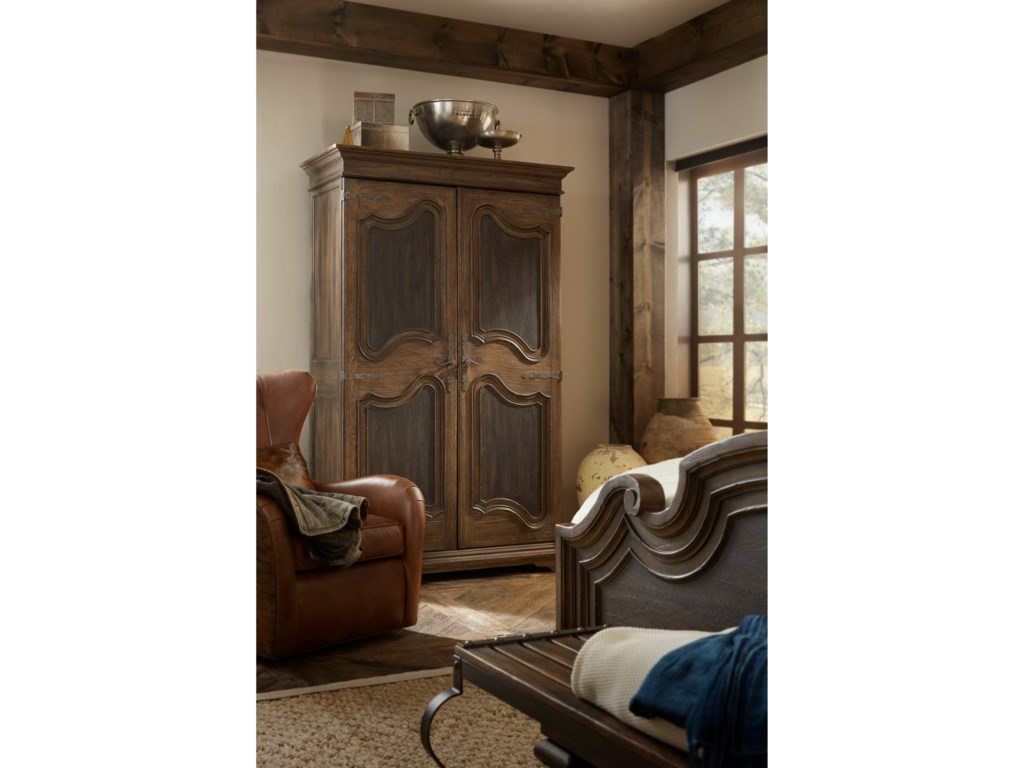 Hooker Furniture Hill CountryLakehills Wardrobe