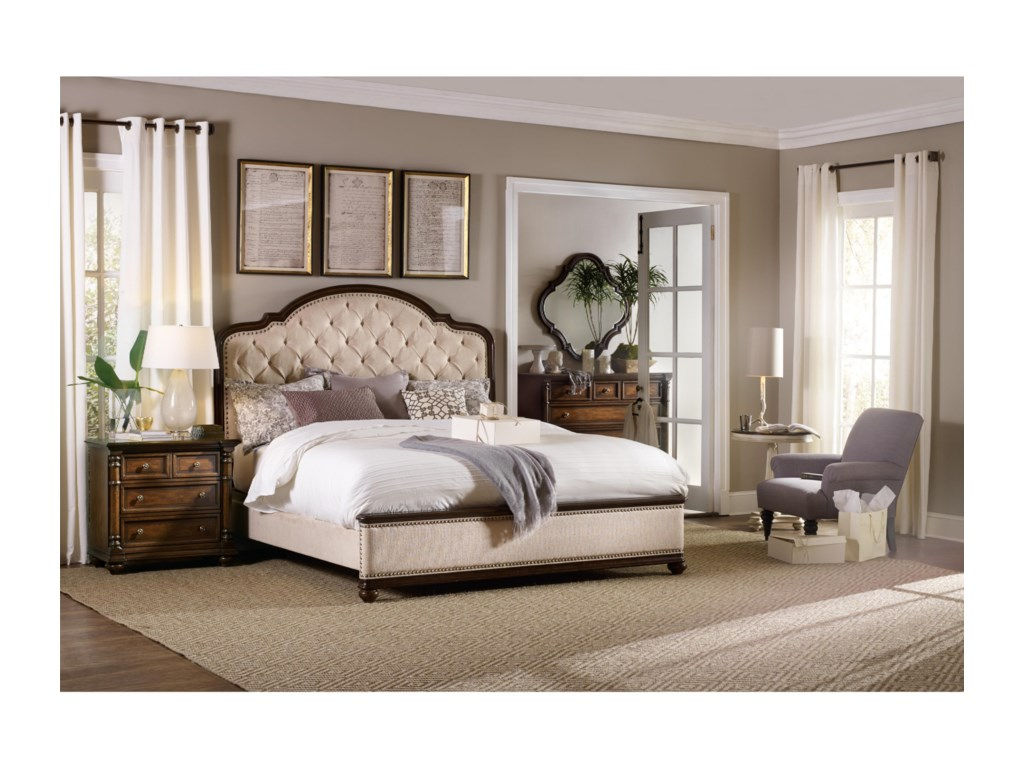 Hooker Furniture LeesburgQueen Size Upholstered Bed