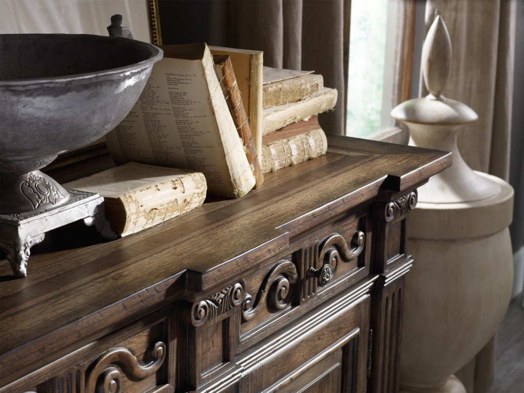 Corinthian Case Moulding