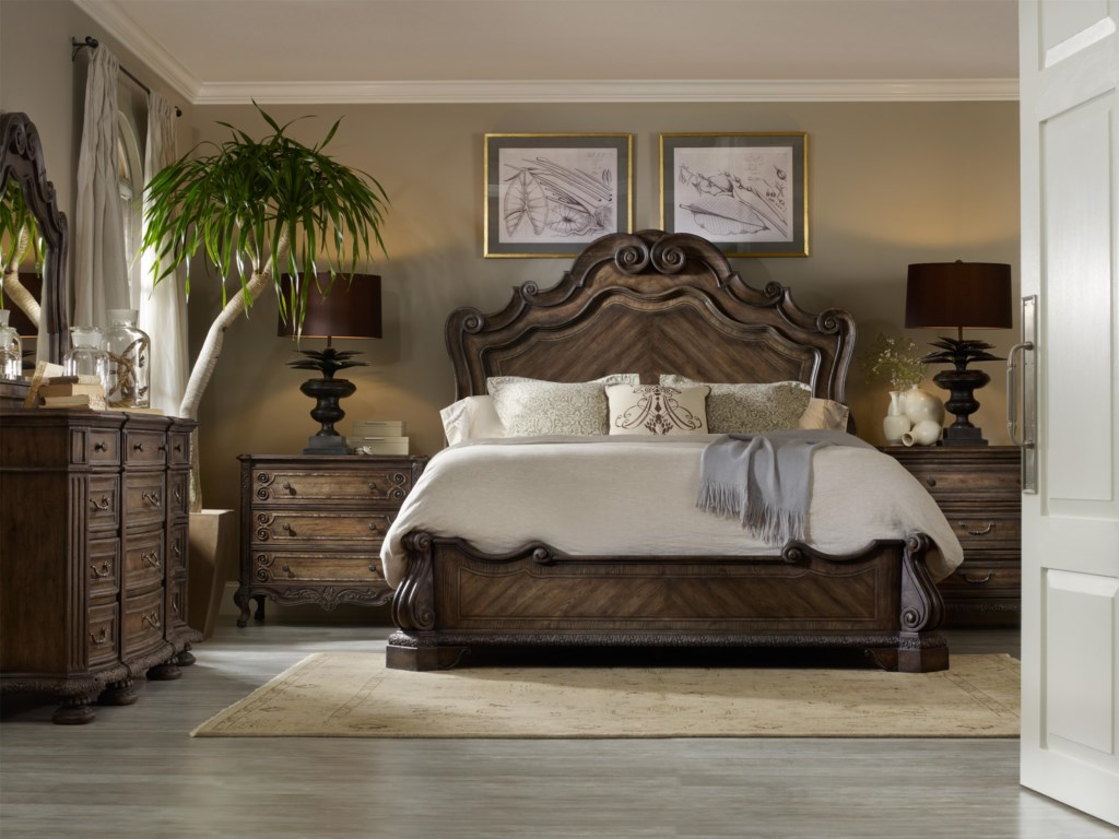 Shown with Twelve Drawer Dresser, Mirror, Scroll Accent Bachelor's Chest and Traditional Bachelor's Chest