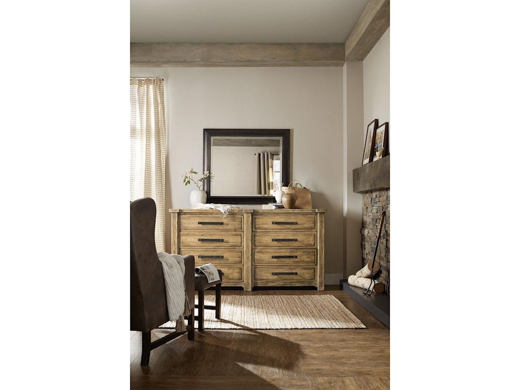 Hooker Furniture American Life - Roslyn CountyEight-Drawer Dresser