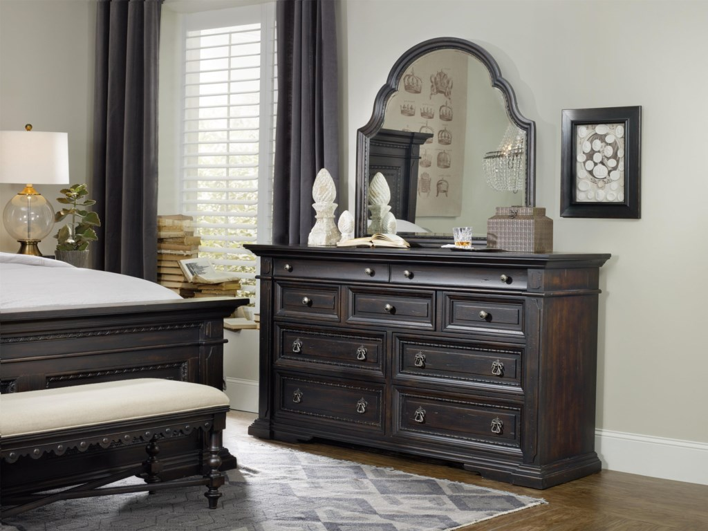 Hooker Furniture Treviso9-Drawer Dresser