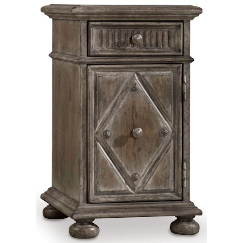 Hooker Furniture True Vintage Chairside Table with Dovetail Drawer