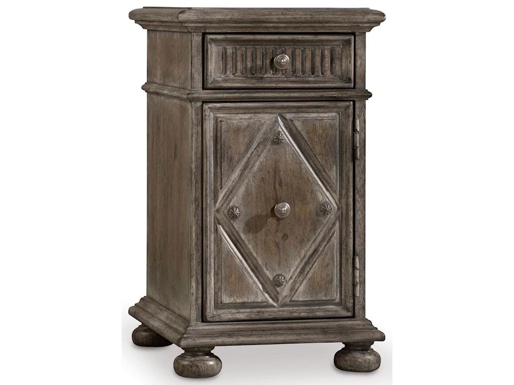 Hooker Furniture True VintageChairside Table