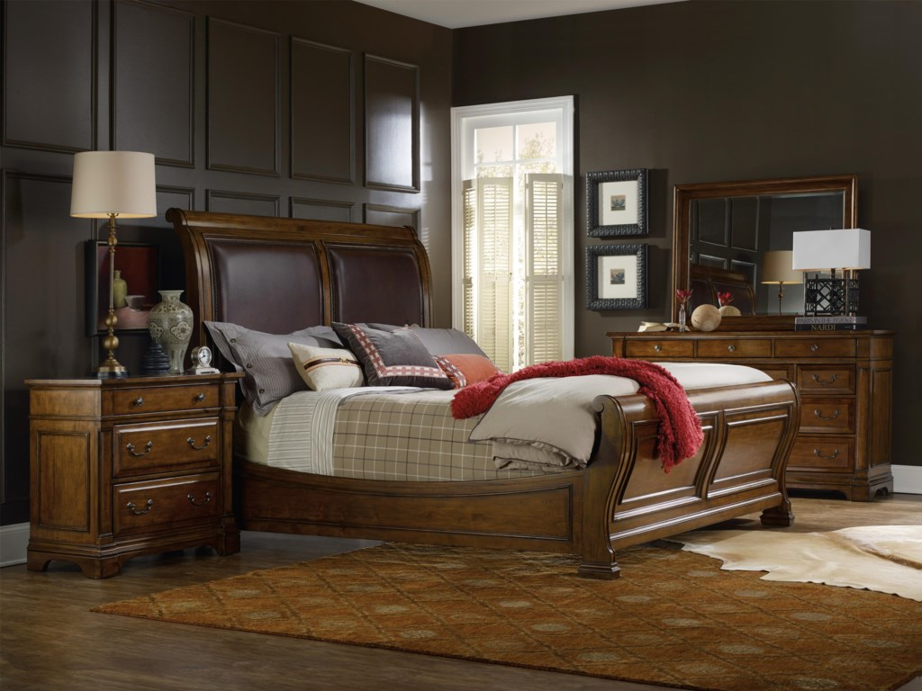Hooker Furniture TynecastleKing Sleigh Bedroom Group