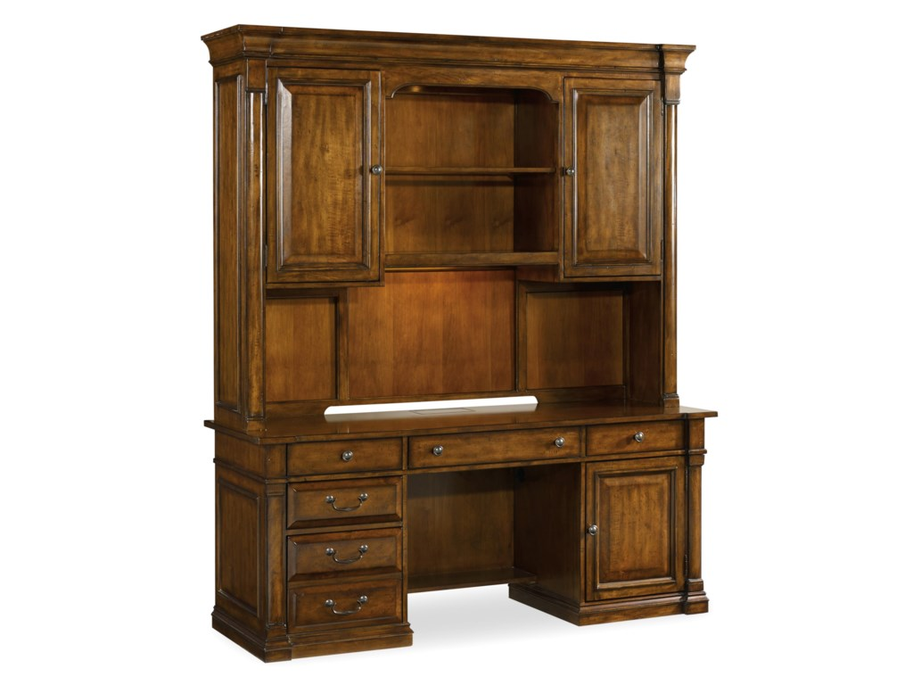 Hooker Furniture TynecastleCredenza and Hutch