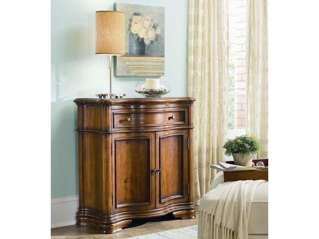 Hooker Furniture Waverly PlaceWaverly Shaped Hall Console