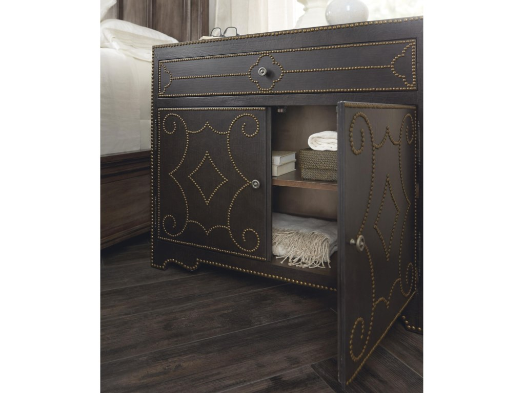 Hooker Furniture WoodlandsBachelors Chest