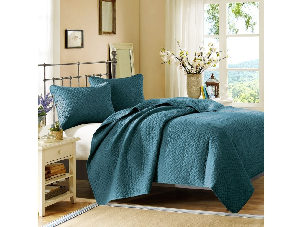 JLA Home Hampton HillQueen Coverlet Set