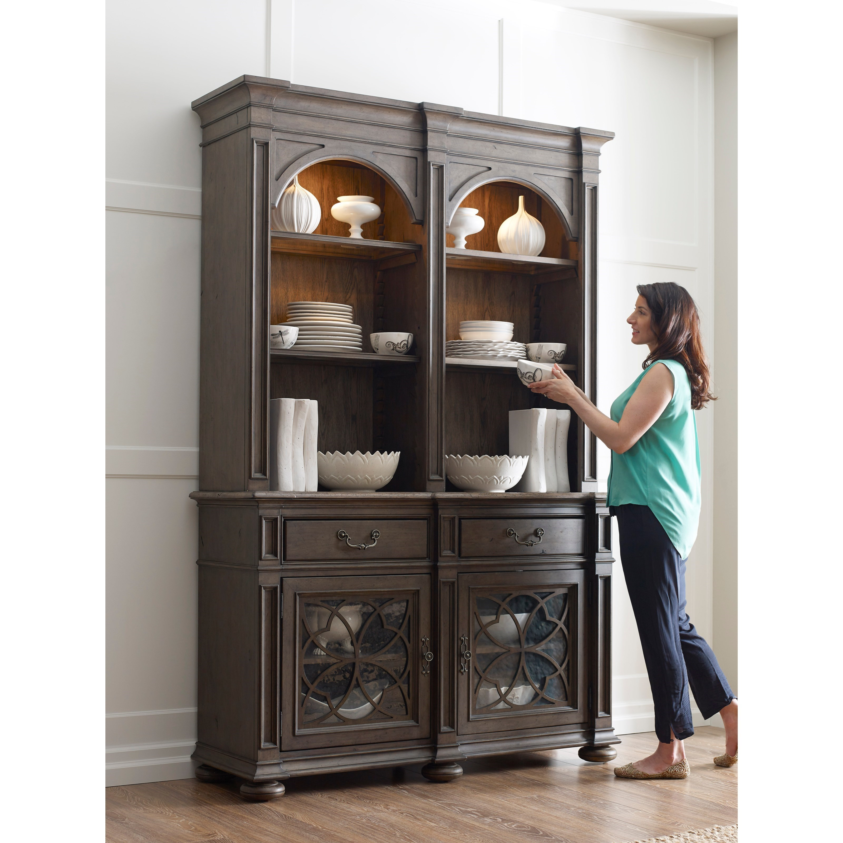 Kincaid Furniture Greyson Harper China Cabinet With Touch Lighting And Seed  Glass Doors   Lindyu0027s Furniture Company   China Cabinets