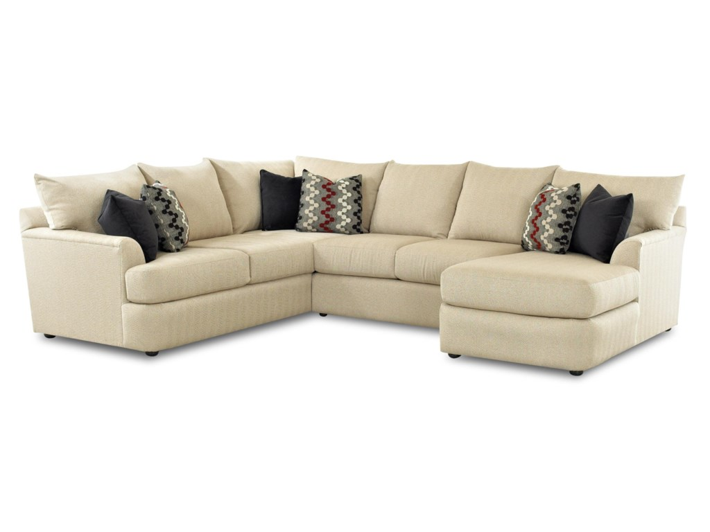 Elliston Place FindleySectional Sofa