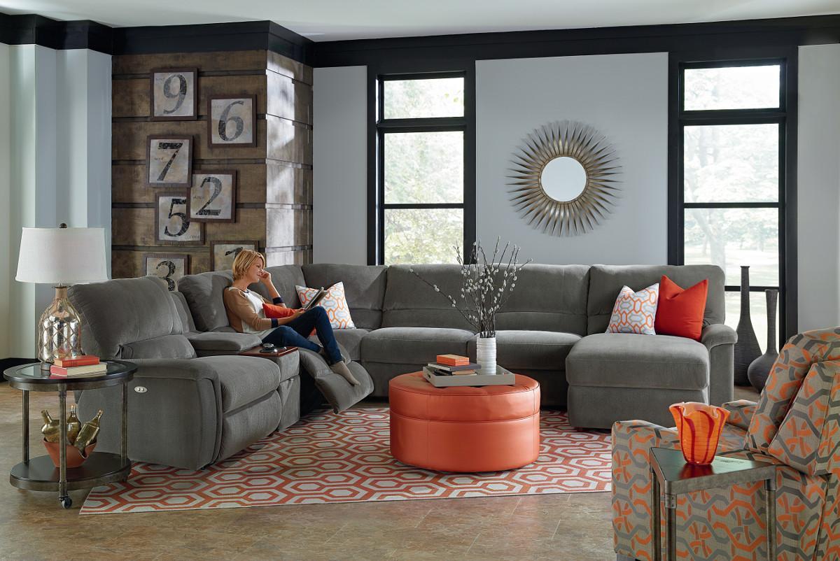 ... La Z Boy ASPEN7 Pc Reclining Sectional Sofa W/ Cupholders