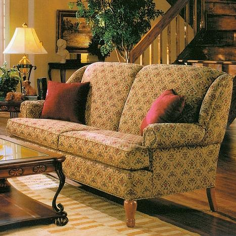 Lancer 1700 Stationary Short Sofa with Round Cottage Style Oak Legs