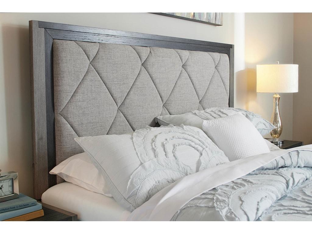 Lane Home Furnishings CarterKing Upholstered Bed