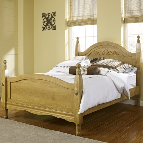 Lang Oak Creek King Wood Post Bed with Decorative Applique
