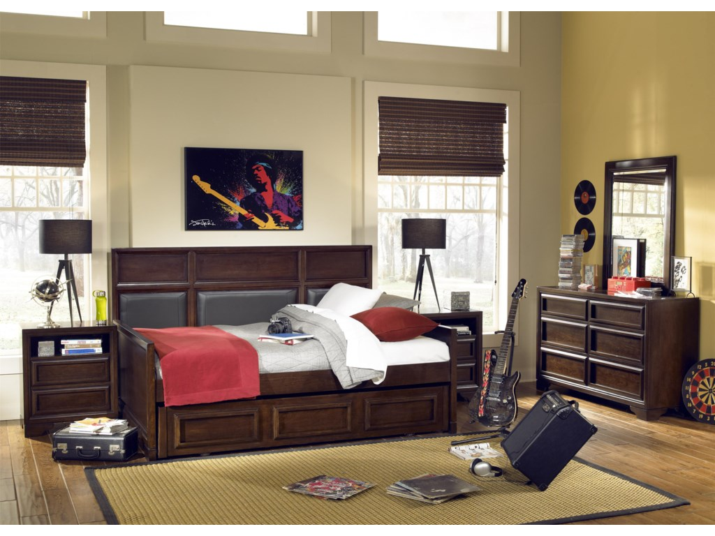 Shown with Nightstands (2), Upholstered Panel Daybed, Trundle Drawer and Dresser