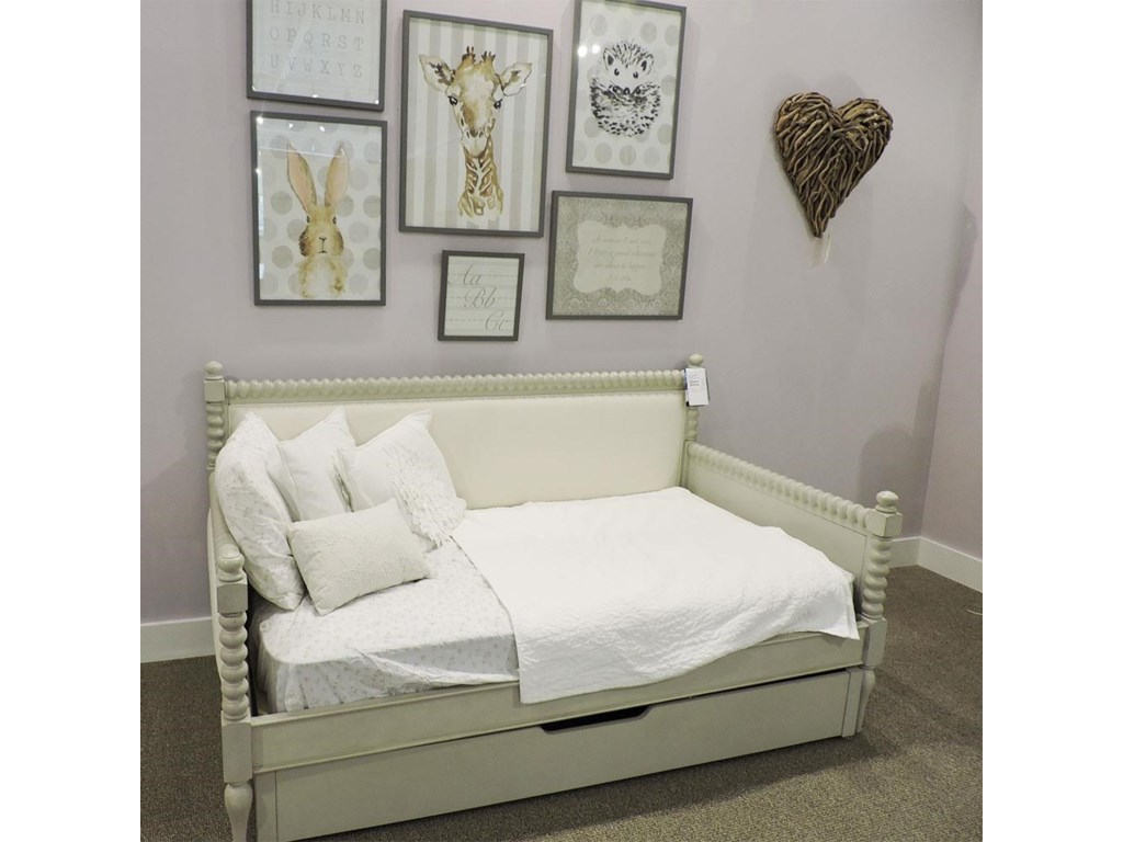 Legacy Classic ClearanceTwin Daybed With Trundle
