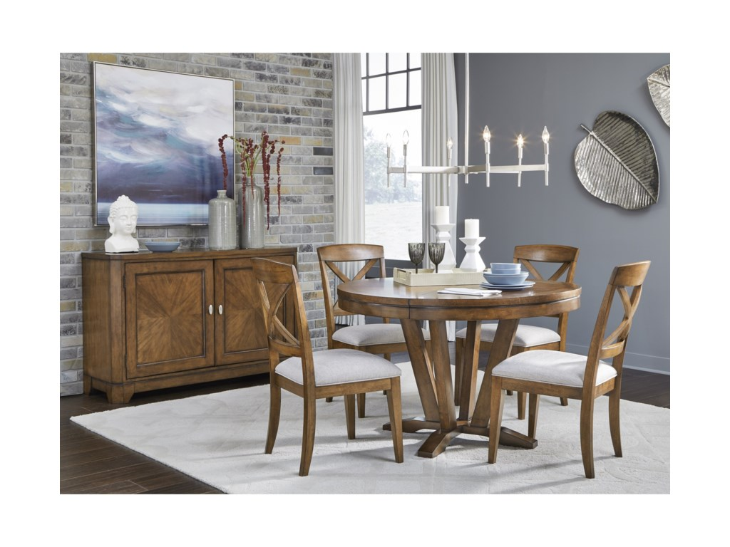 Legacy Classic HighlandCasual Dining Room Group