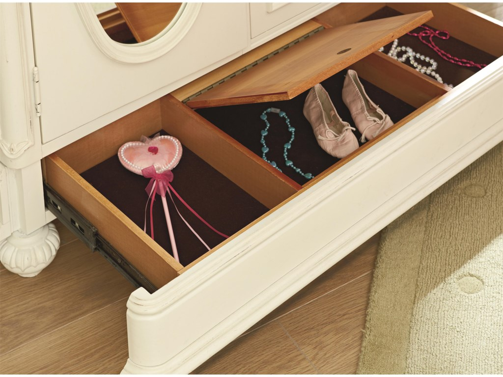 Legacy Classic Kids CharlotteDoor Chest