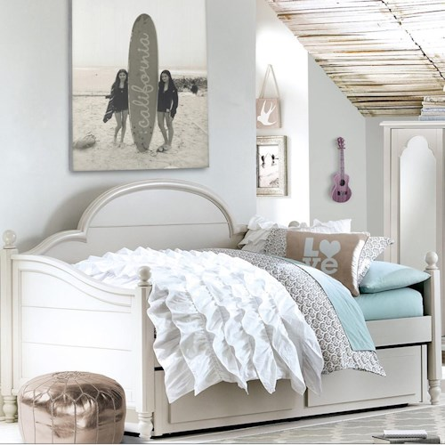 Legacy Classic Kids Inspirations by Wendy Bellissimo Twin Westport Low Poster Panel Daybed with Trundle/Storage Drawer