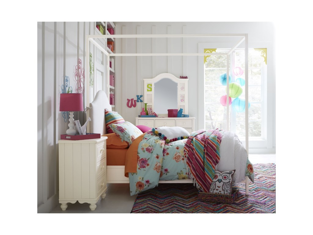Legacy Classic Kids SummersetDresser and Photo Mirror Set