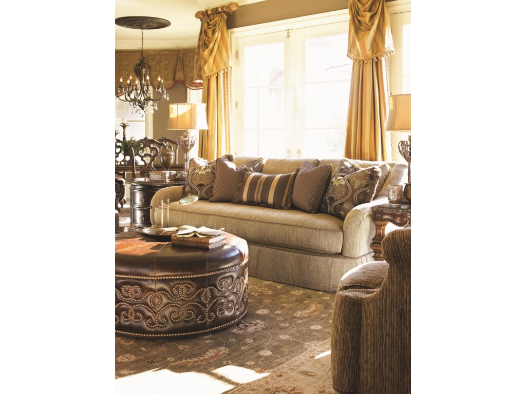 Shown with Donatella Lamp Table, Santina Sofa, and Bianco End Table