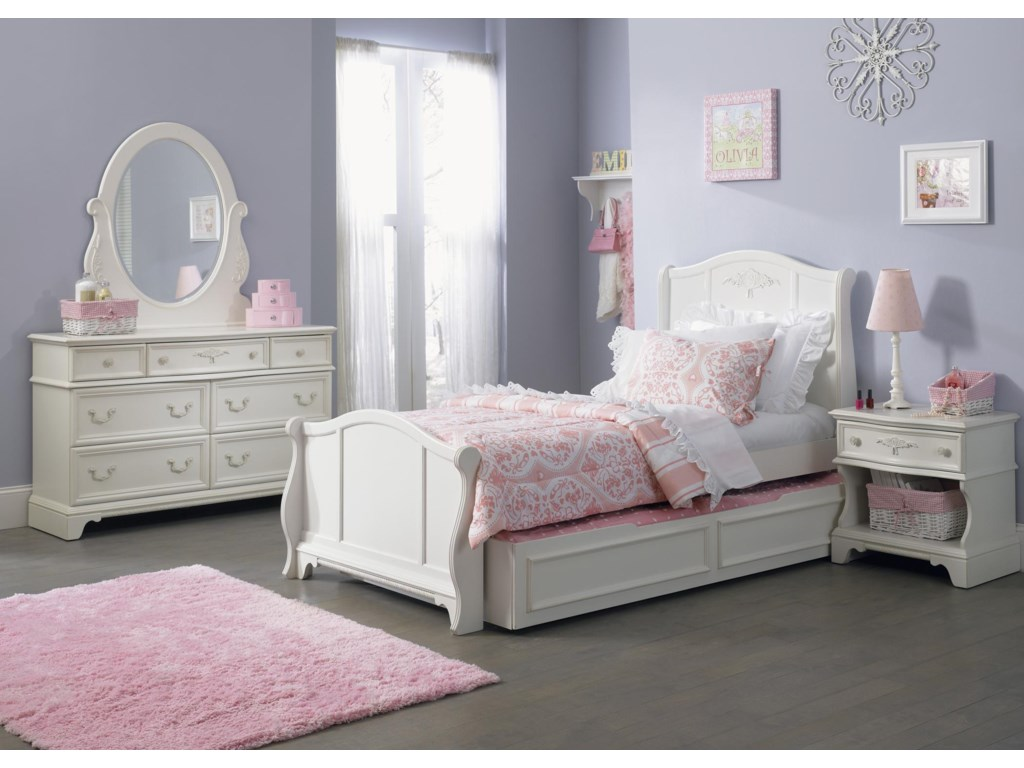 Shown with Mirror, Sleigh Bed, Trundle, and Nightstand