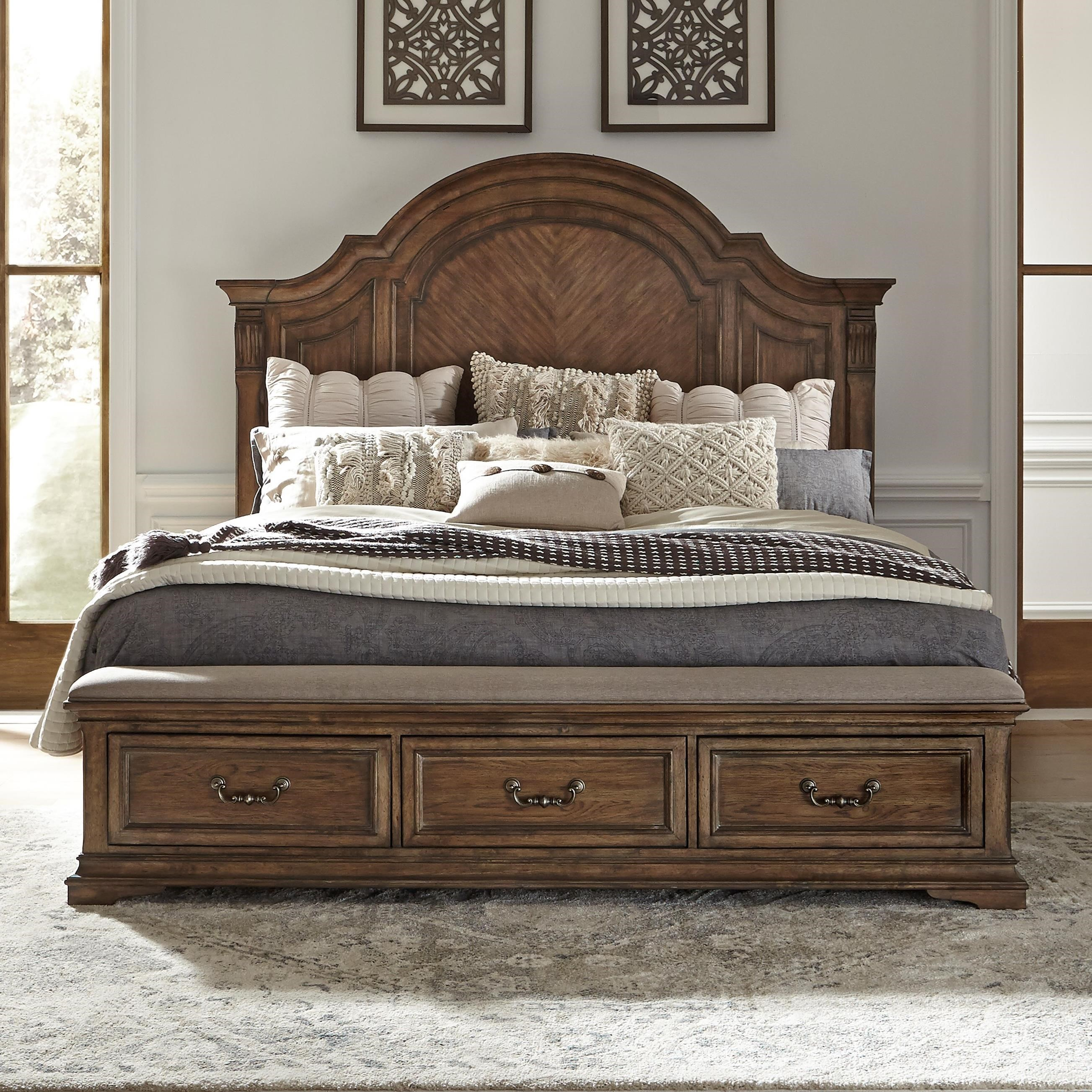 Traditional Queen Storage Bed with 3 Drawers