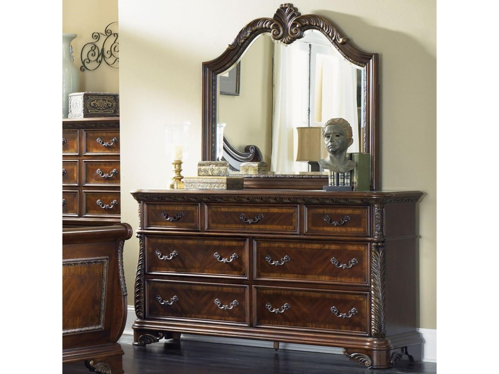 Liberty Furniture Highland Court Traditional 7 Drawer