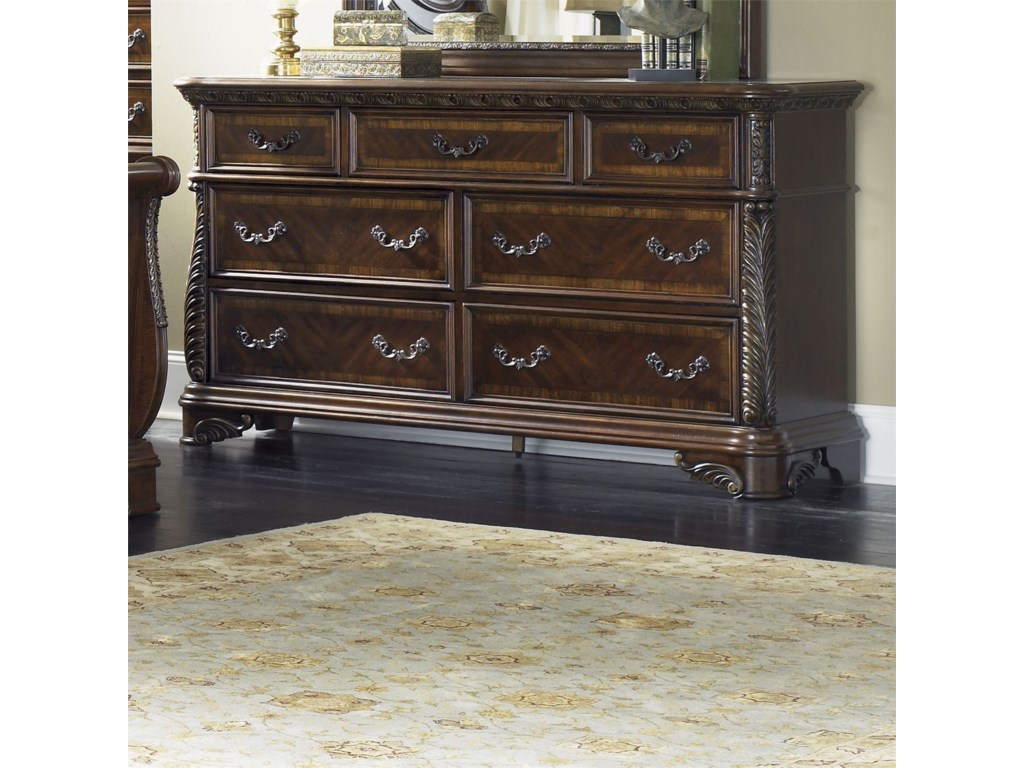 Vendor 5349 Highland Court7 Drawer Dresser