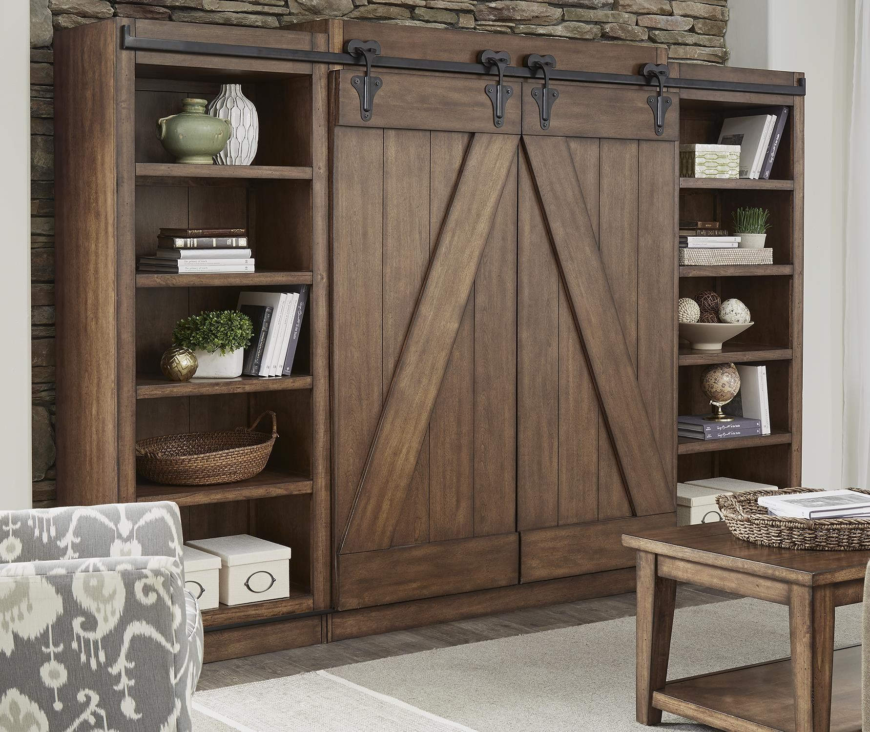 Etonnant Willow Creek Entertainment Center With Piers And Sliding Barn Doors By  Liberty Furniture At Rotmans