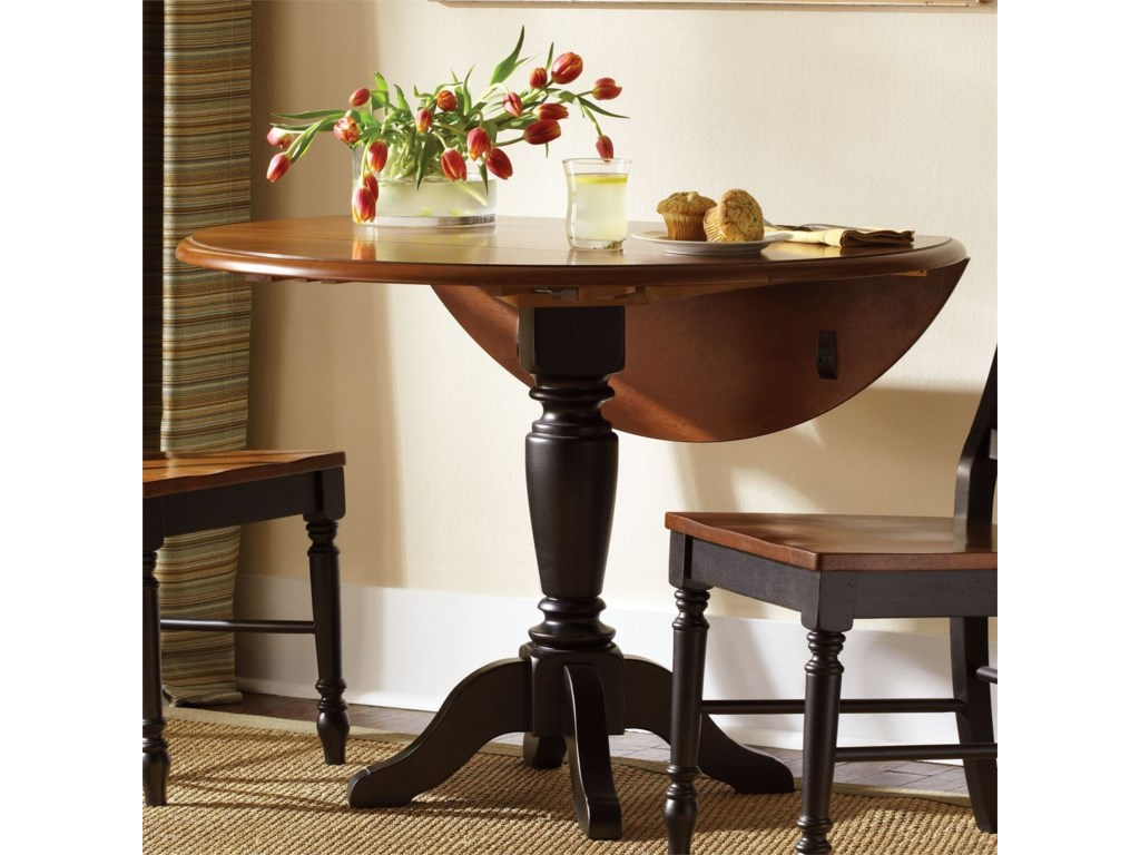 Liberty Furniture Low CountryRound Pedestal Table