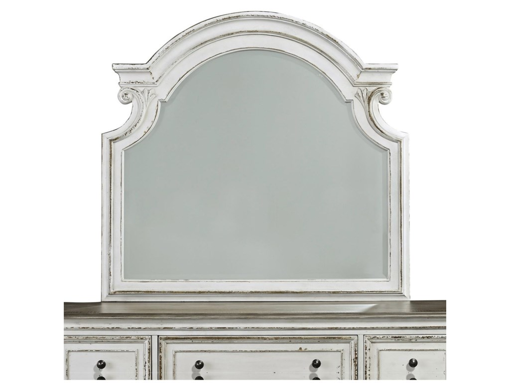 Liberty Furniture Magnolia Manor7 Drawer Dresser and Mirror