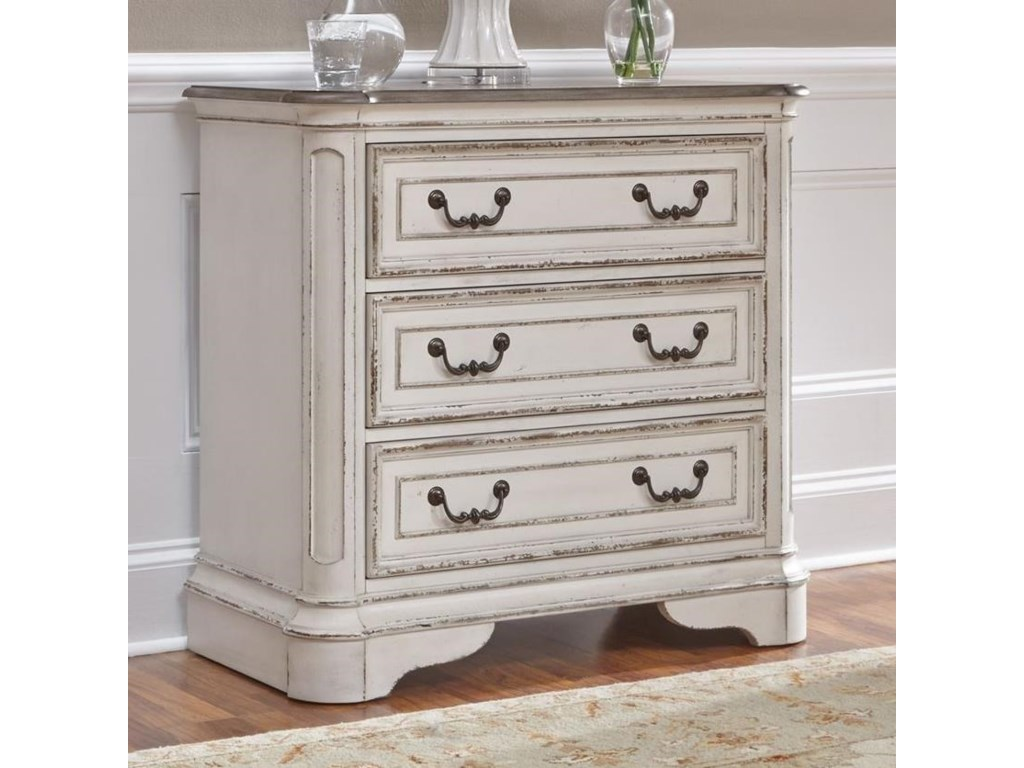 Liberty Furniture Magnolia Manor3 Drawer Bedside Chest