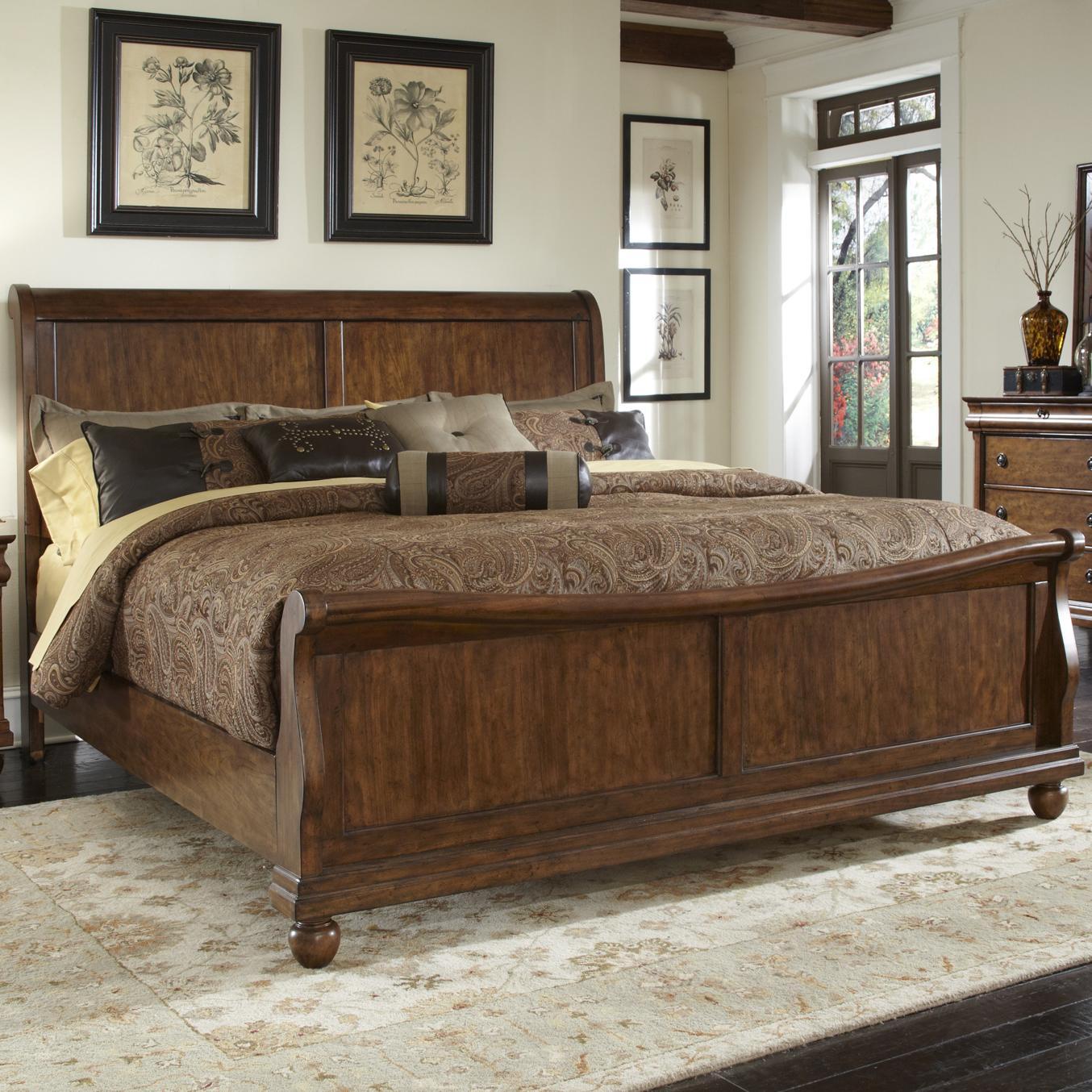 Queen Sleigh Bed Set with Bun Feet