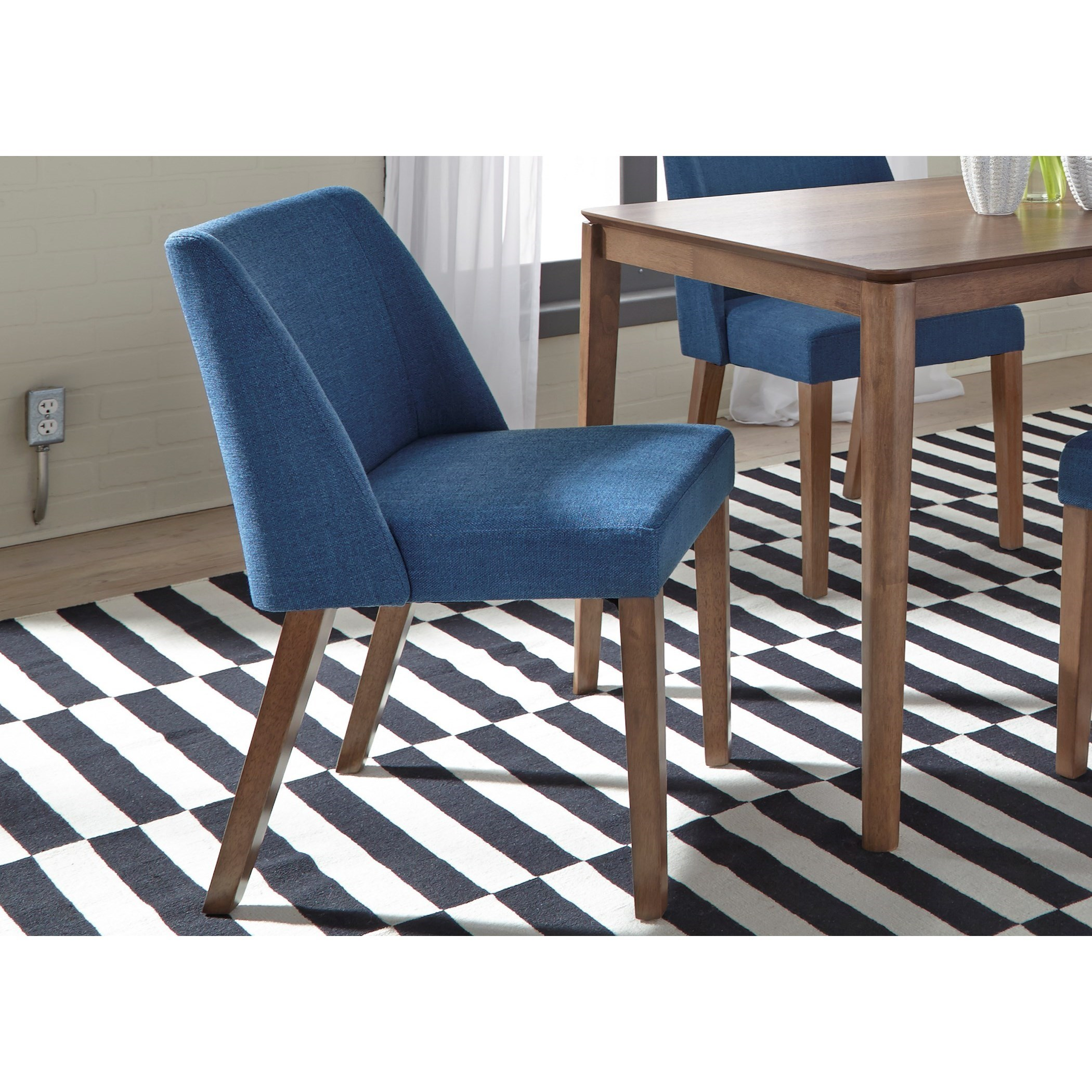 Fully Upholstered Nido Dining Chair