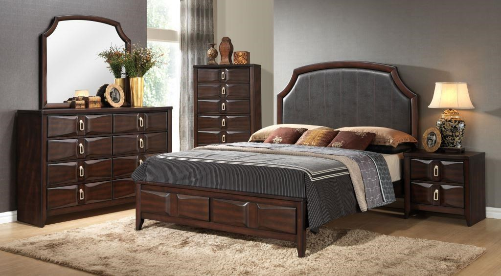 Lifestyle CharlieQueen Upholstered Bed