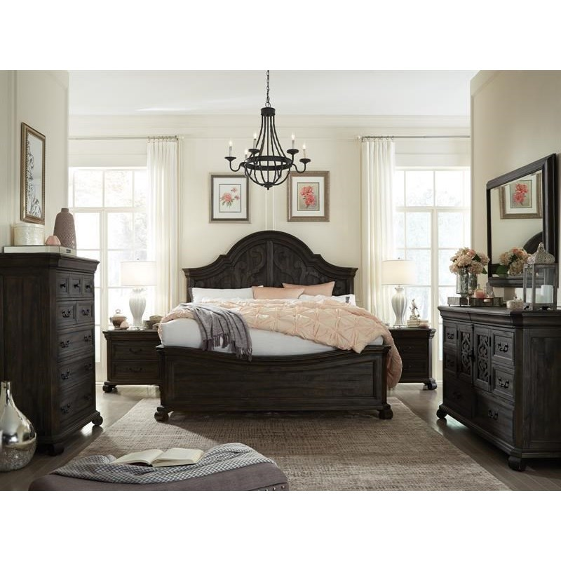 Bedroom Group with Curved King Bed and Mirror
