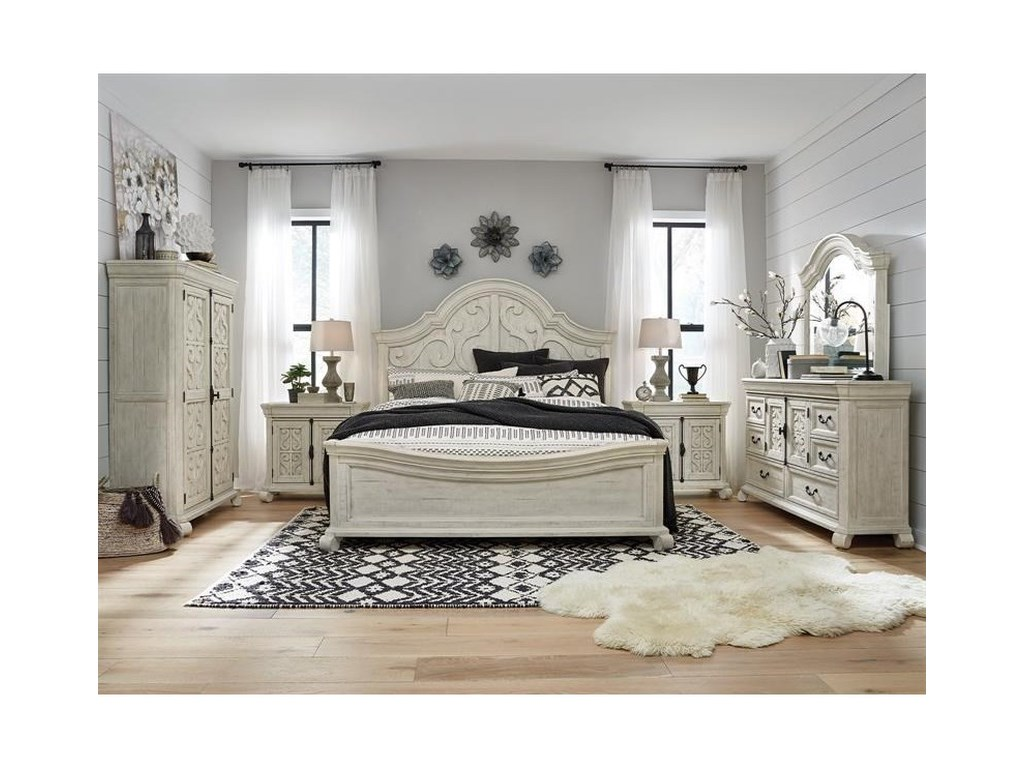 Magnussen Home BronwynQueen Shaped Panel Bed