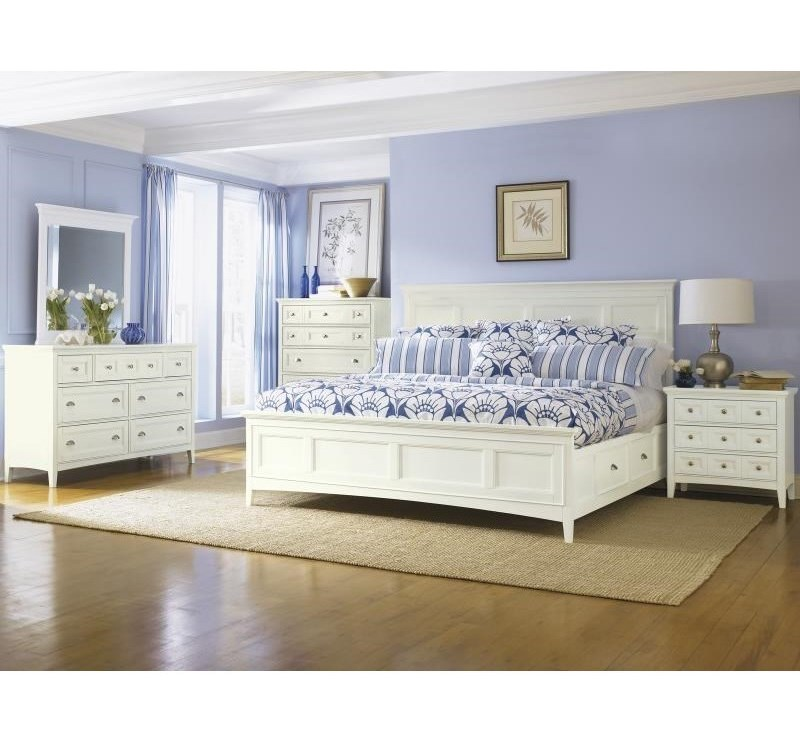 Magnussen Home KentwoodKing Panel Bed with Storage Rails