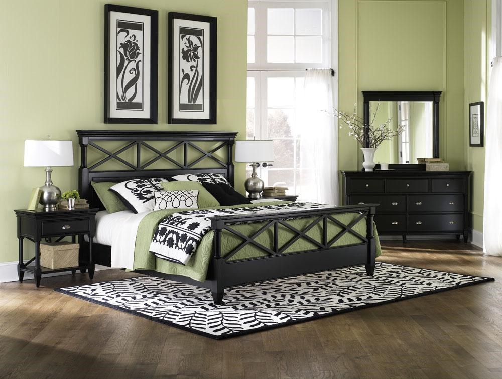 Package May Not Include All Items Shown. Bed Shown May Not Represent Size Indicated.