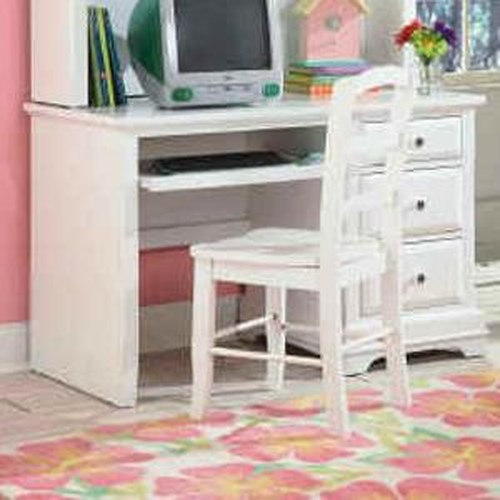 New Classic Bayfront Casual White Ladder Back Student Chair