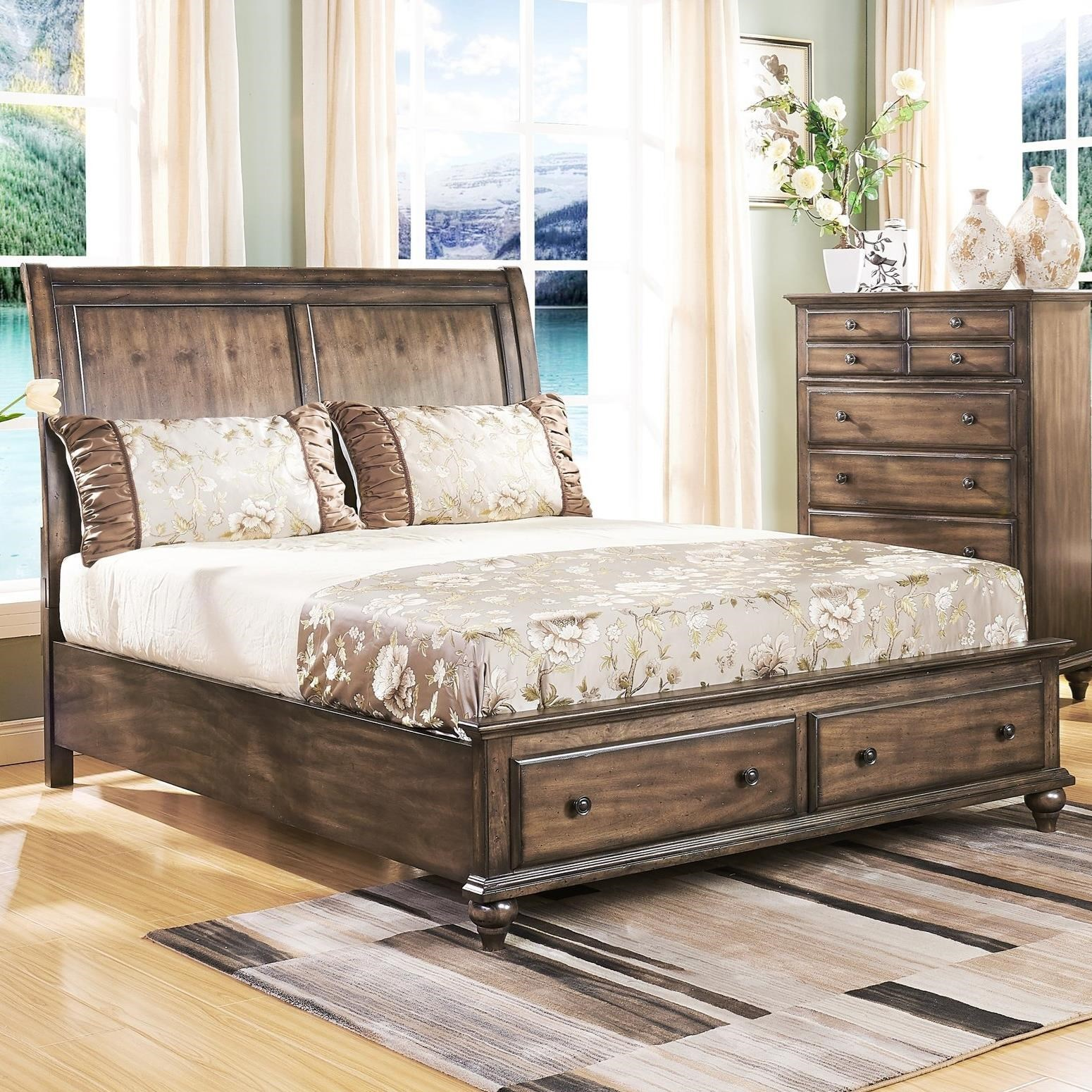 Charmant New Classic FallbrookQueen Sleigh Bed