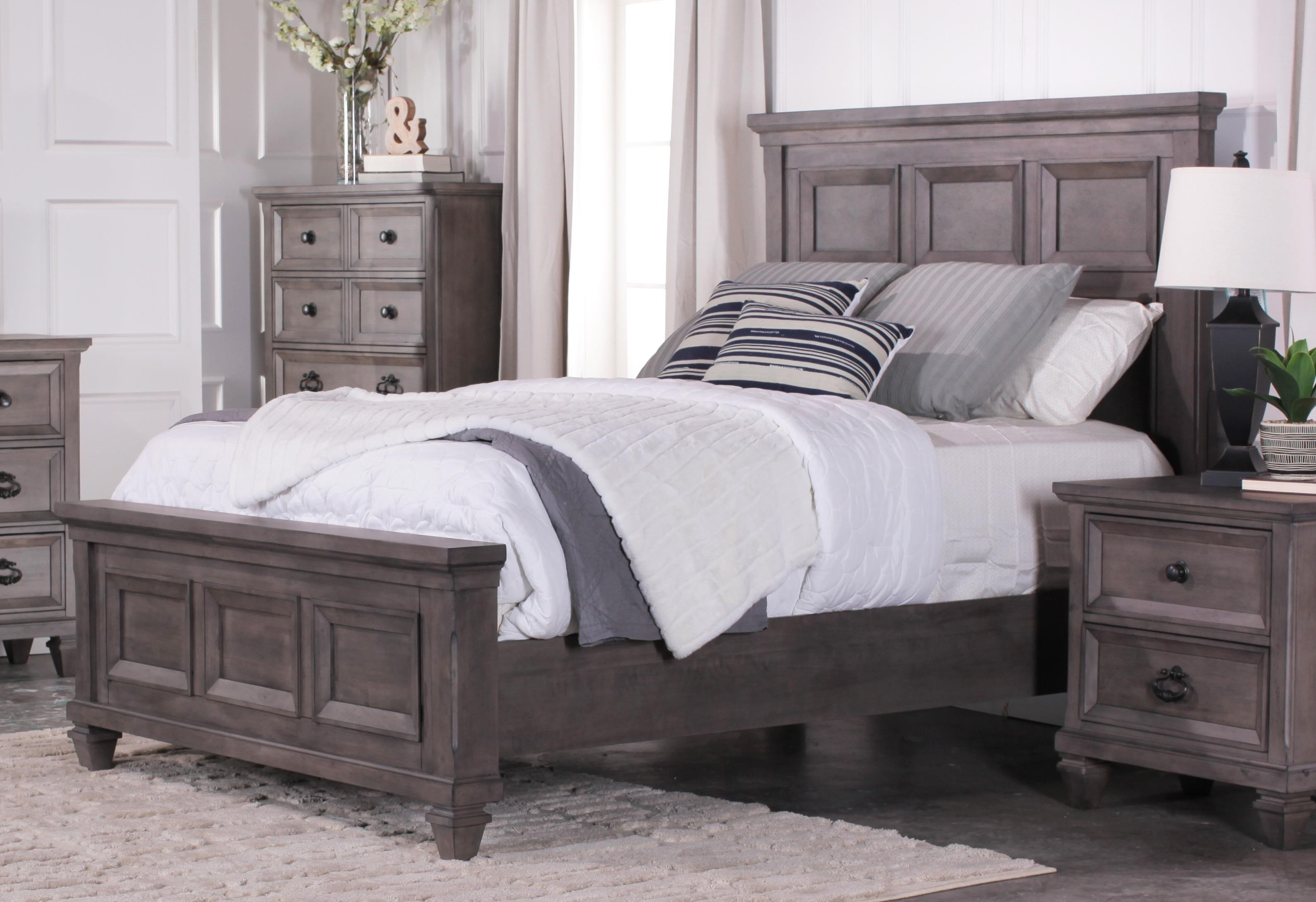 New Classic Gibraltar King Mansion Bed