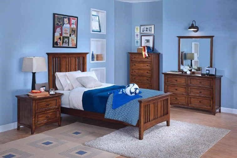 Shown with Mirror, Youth Chest, Panel Bed and Youth Nightstand