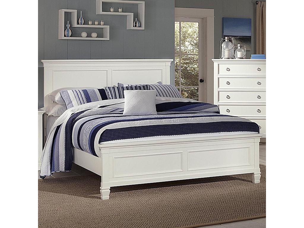 New Classic TamarackQueen Panel Bed