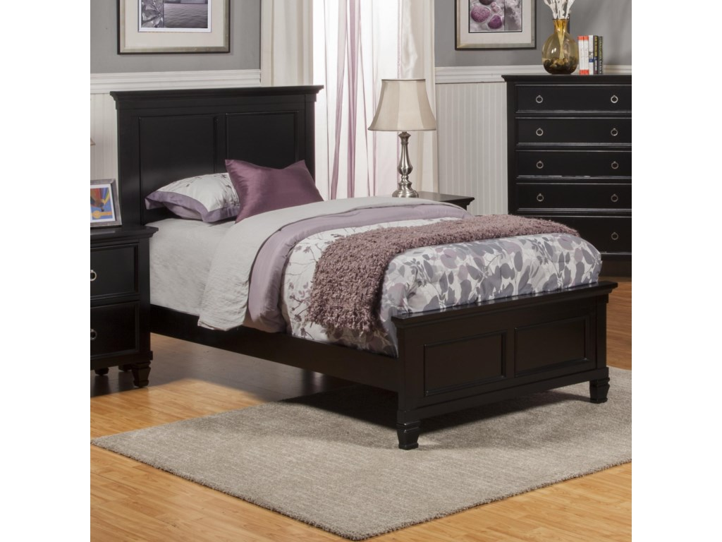 New Classic TamarackFull Panel Bed