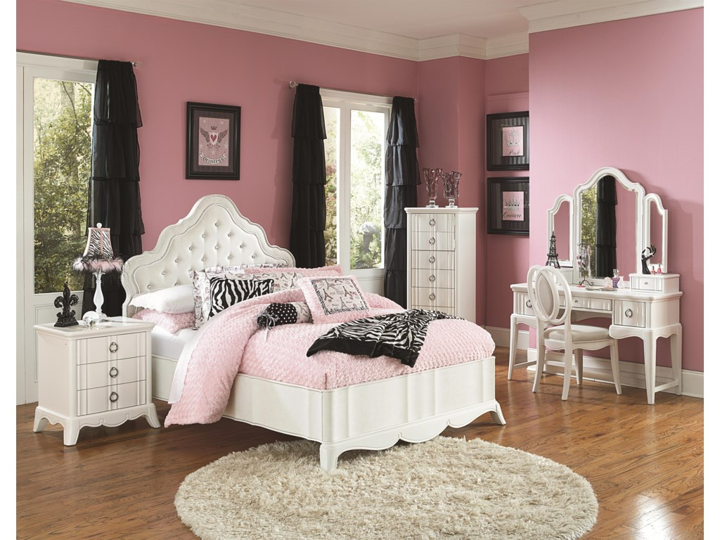 Shown with Nightstand, Swivel Chest, Vanity, Tri-Fold Mirror and Chair