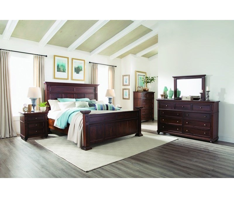 Palettes by Winesburg MontclairKing Panel Bed
